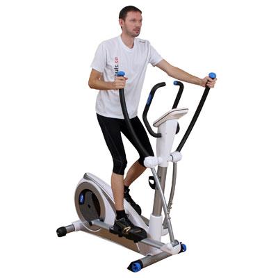 Bilden visar en Crosstrainer med svänghjulet i bak. Vanligt förekommande steglängd på Crosstrainer med svänghjulet i bak är 35-41 cm.